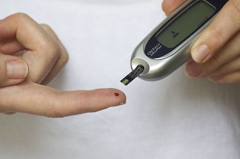 Blood glucose test meters